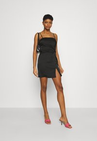 Missguided - SQUARE NECK TWIST FRONT MINI DRESS - Cocktail dress / Party dress - black - 1