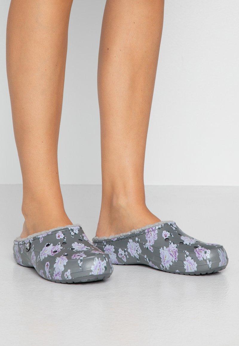 Crocs - FREESAIL - Pantofole - pearl white