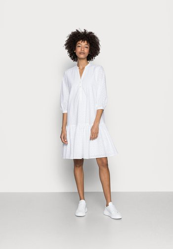 DRESS - Vestido camisero - white
