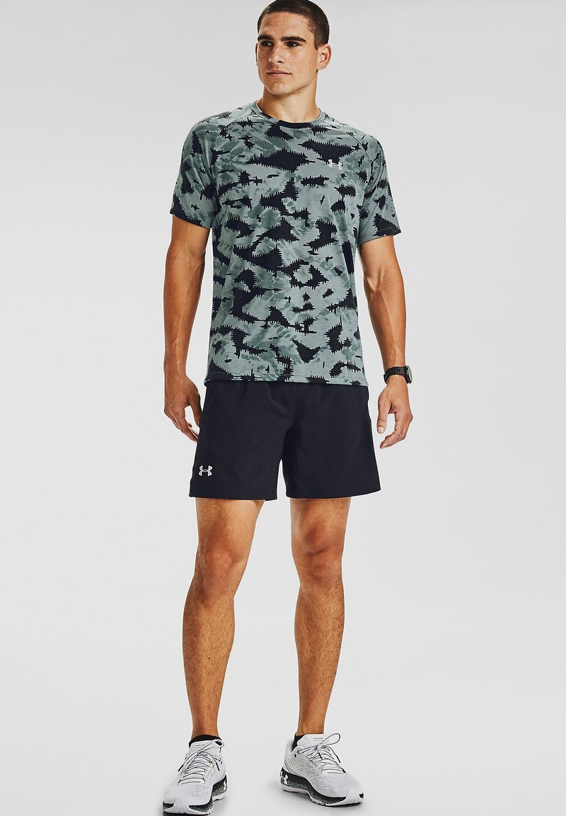 Under Armour - M STREAKER 2.0 INVERSE SS - T-shirt imprimé - lichen blue