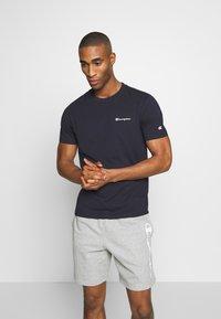 Champion - CREWNECK  - Camiseta básica - dark blue - 0