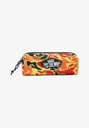 UY OTW - Pencil case - flame camo