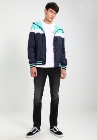 Urban Classics - HOODED COLLEGE WINDBREAKER - Summer jacket - navy/mint/white - 1