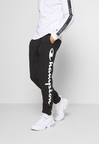 Champion - LEGACY CUFF PANTS - Pantalon de survêtement - black/grey - 0