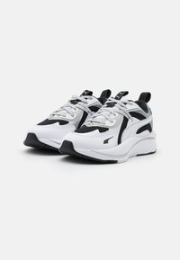 Puma - RS-CURVE GLOW  - Sneakers laag - black/white/silver - 2