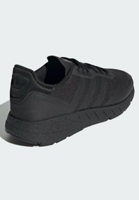 adidas Originals - ZX 1K BOOST SCHUH - Sneakers - black - 3
