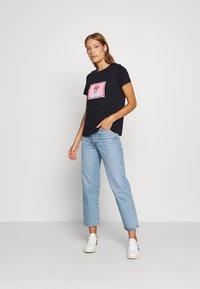 Trendyol - LACIVERT - Print T-shirt - navy - 1