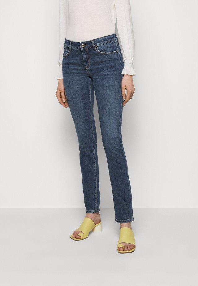 GIOVANE - Skinny džíny - nachtblau