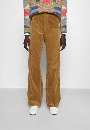 JEN FULL LENGTH FLAT FRONT - Trousers - new ghurka