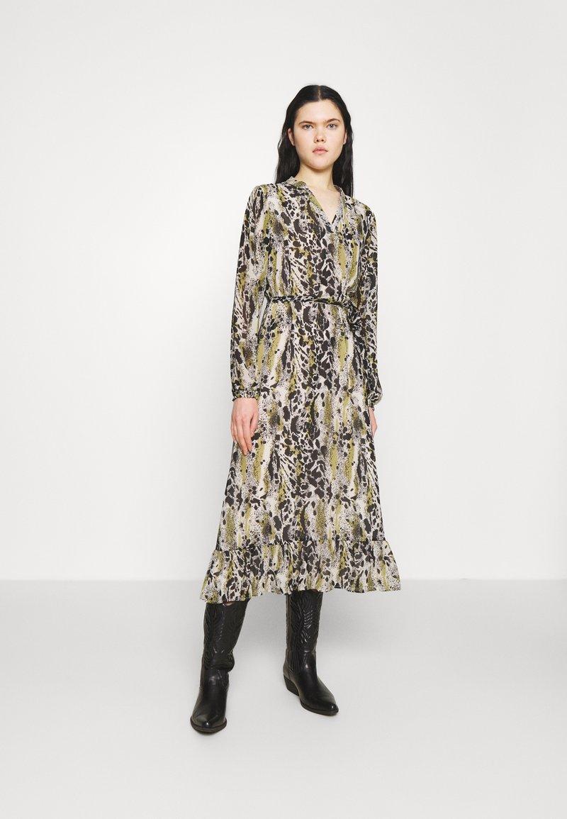 Vila - VIJEMO MIDI DRESS - Day dress - birch/kallia