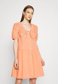YAS - YASSOFFE DRESS  - Shirt dress - sandstone - 0