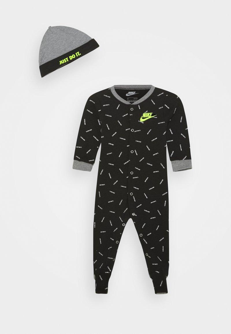 Nike Sportswear - TOSS FOOT COVERALL SET - Bonnet - black