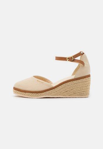 WEDGEVILLE  - Platform heels - sand