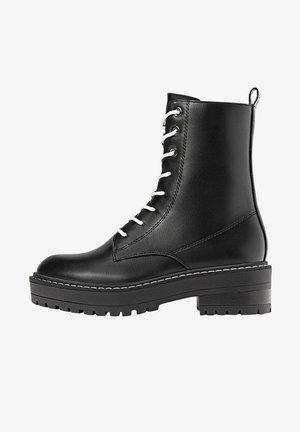 MIT SCHNÜRUNG - Šněrovací kotníkové boty - black