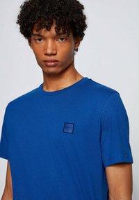 BOSS - TALES - Basic T-shirt - blue - 3