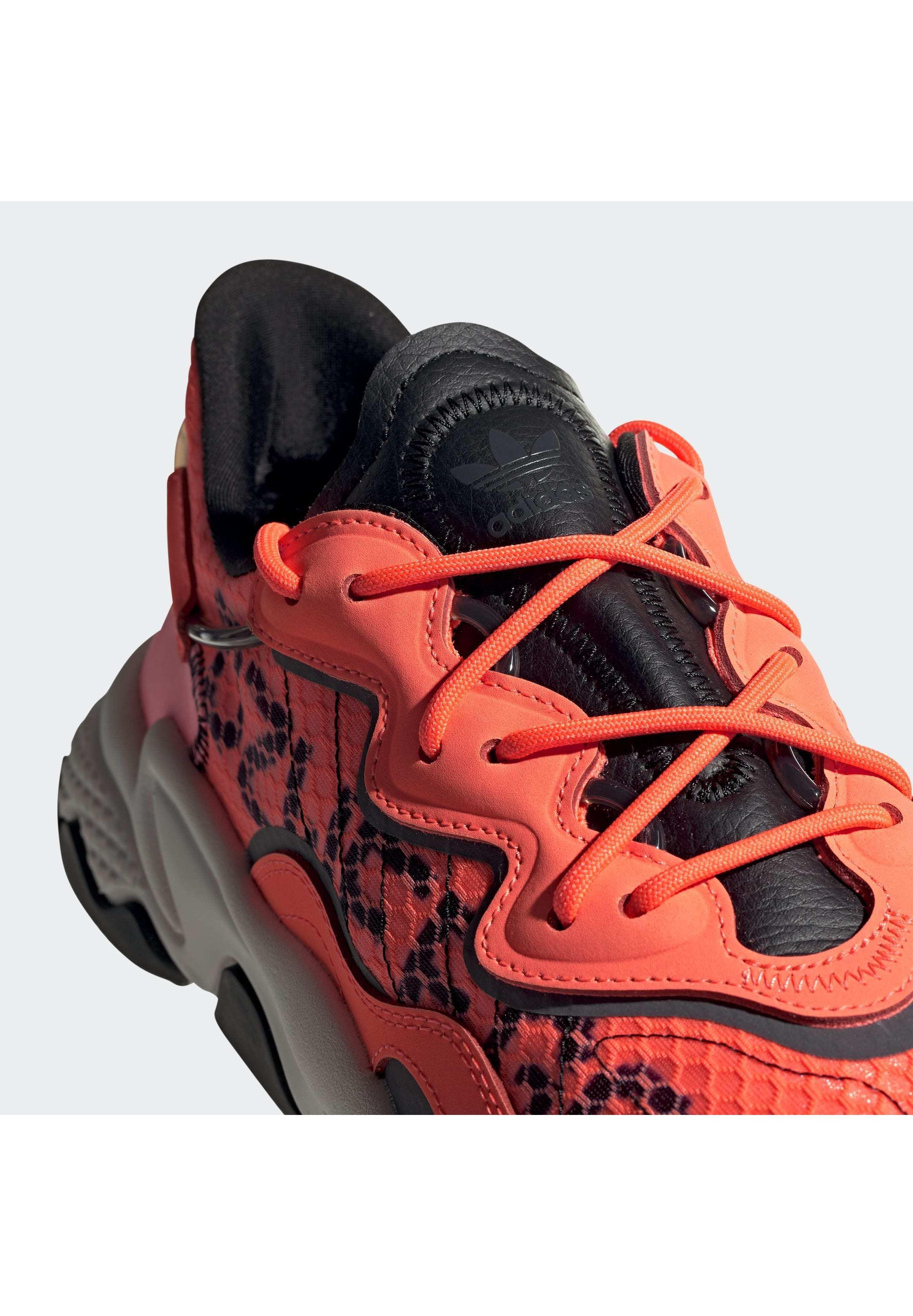 adidas Originals OZWEEGO SHOES - Sneaker low - orange - Herrenschuhe FGMig