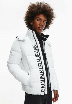 ESSENTIALS - Winter jacket - bright white