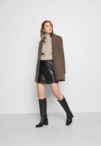 Vero Moda - VMSYLVIA SKIRT - A-line skirt - black - 1