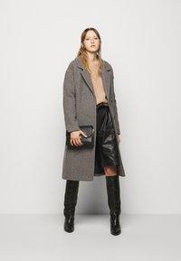 DESIGNERS REMIX - ISABELLE BELTED COAT - Klasický kabát - multi colour - 1