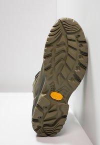 Columbia - CAMDEN OUTDRY CHUKKA - Hiking shoes - nori/grey - 4