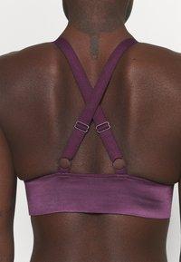 Etam - EFFIE BRASSIERE - Light support sports bra - prune - 5
