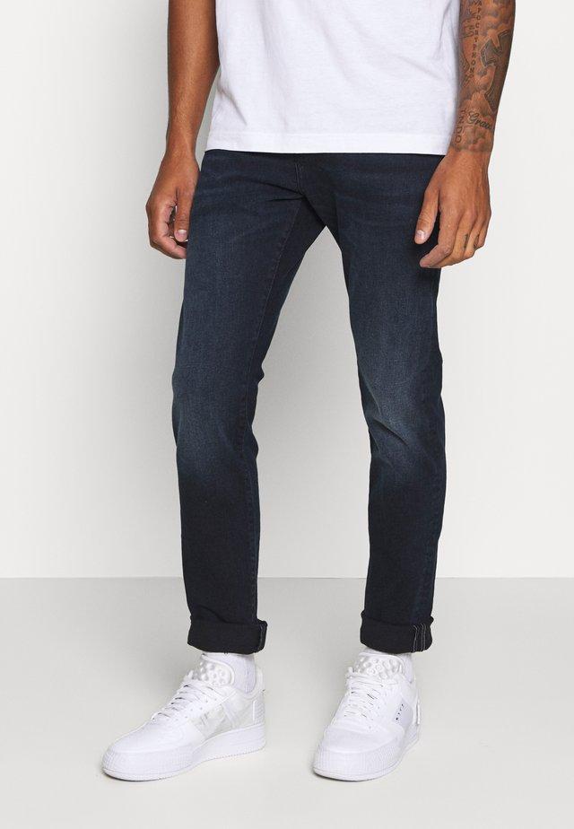 SHOOTING STAR - Slim fit jeans - dark blue denim