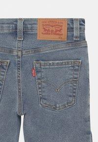 Levi's® - SLIM FIT ECO FLEX - Shorts di jeans - light-blue denim - 2