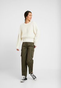 Pepe Jeans - VANIA - Sweter - mousse - 1