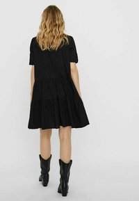 Vero Moda - STEHKRAGEN - Shirt dress - black - 2
