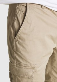 Only & Sons - ONSCAM STAGE CUFF - Cargo trousers - chinchilla - 3