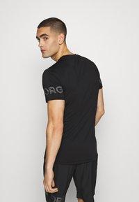 Björn Borg - MEDAL TEE - Print T-shirt - black/silver - 2