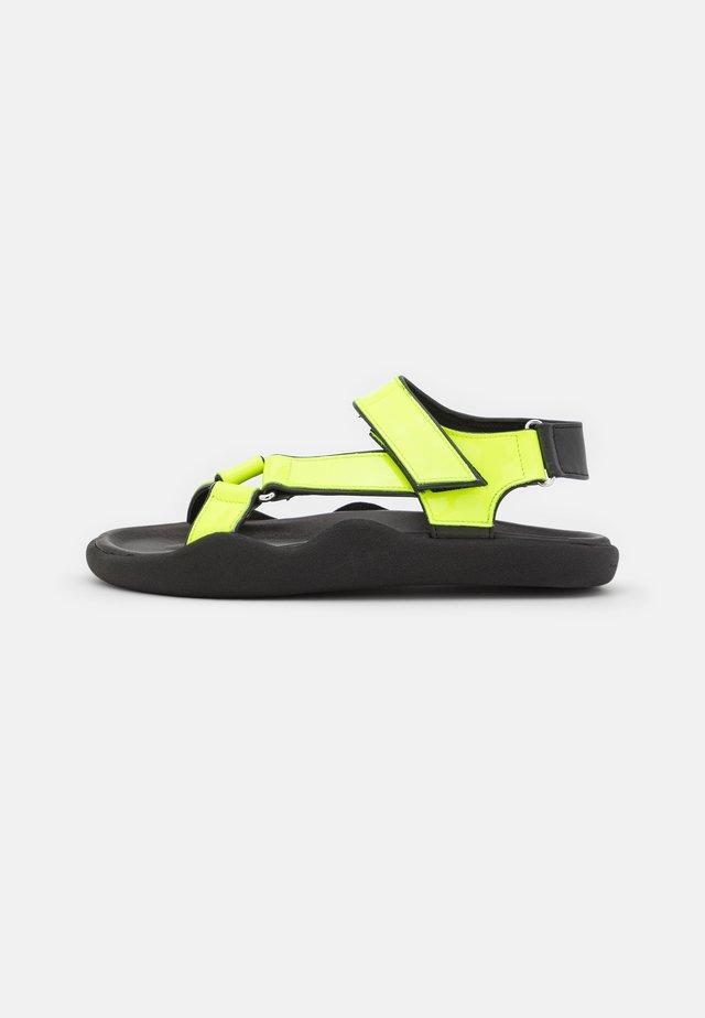 FLAT STRAP - Sandalen - neon yellow