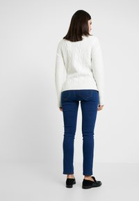 Dorothy Perkins Maternity - OVERBUMP ELLIS - Jeans Skinny Fit - mid wash - 2