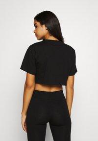 Ellesse - RIONA - Print T-shirt - black - 2