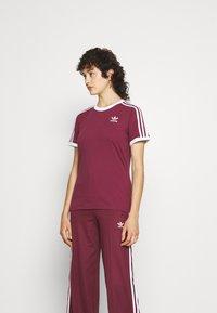 adidas Originals - TEE - T-shirt - bas - victory crimson - 0