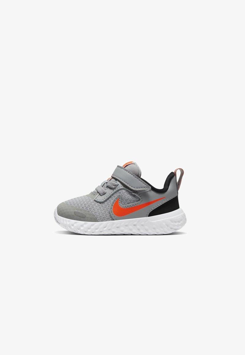 Nike Performance - REVOLUTION 5 UNISEX - Zapatillas de running neutras - light solar flare heather