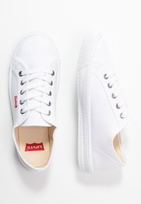 Levi's® - MALIBU BEACH - Baskets basses - brilliant white - 3
