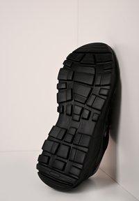 sergio tacchini - SNEAKER WOXED MIX - Trainers - black - 2