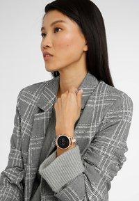 Fossil Smartwatches - Q VENTURE - Smartwatch - roségold-coloured - 0