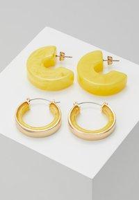 Pieces - Boucles d'oreilles - buttercup - 0