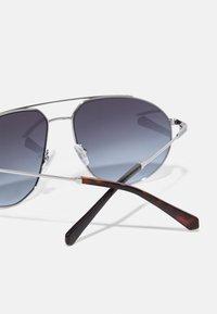Guess - UNISEX - Sunglasses - shiny gunmetal/smoke - 2