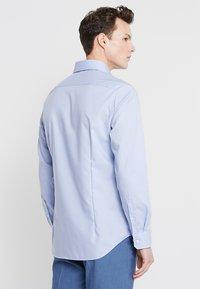 Seidensticker - SLIM SPREAD KENT PATCH - Formal shirt - hellblau - 2