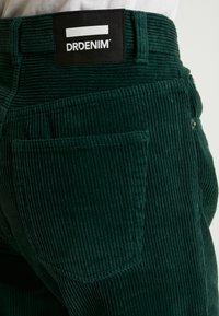 Dr.Denim - NORA - Pantaloni - deep green - 4