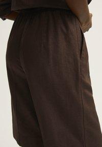 STOCKH LM - YASMIN - Shorts - coffee bean - 2