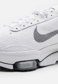 Nike Sportswear - AIR ZOOM TYPE - Trainers - white/black/pure platinum - 7