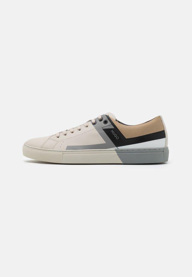 FUTURISM - Sneakers laag - open white