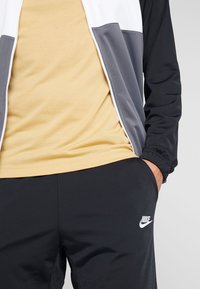 Nike Sportswear - SUIT - Tracksuit - black/dark grey/white - 6