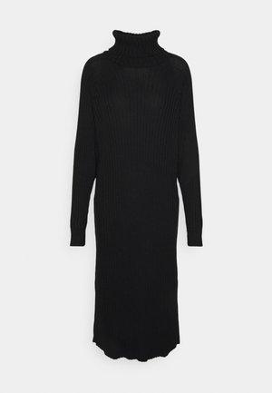 YASMAVI ROLL NECK DRESS - Abito in maglia - black