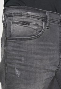 Blend - SCRATCHES - Slim fit jeans - denim grey - 4
