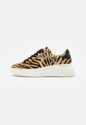 DOUBLE GALLERY - Trainers - black/beige